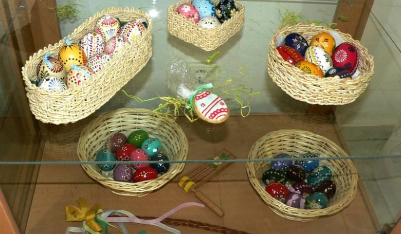 Je vykonštruovaná podľa zásad povrchových liahní, vajcia sa kladajú v jednej vrstve.